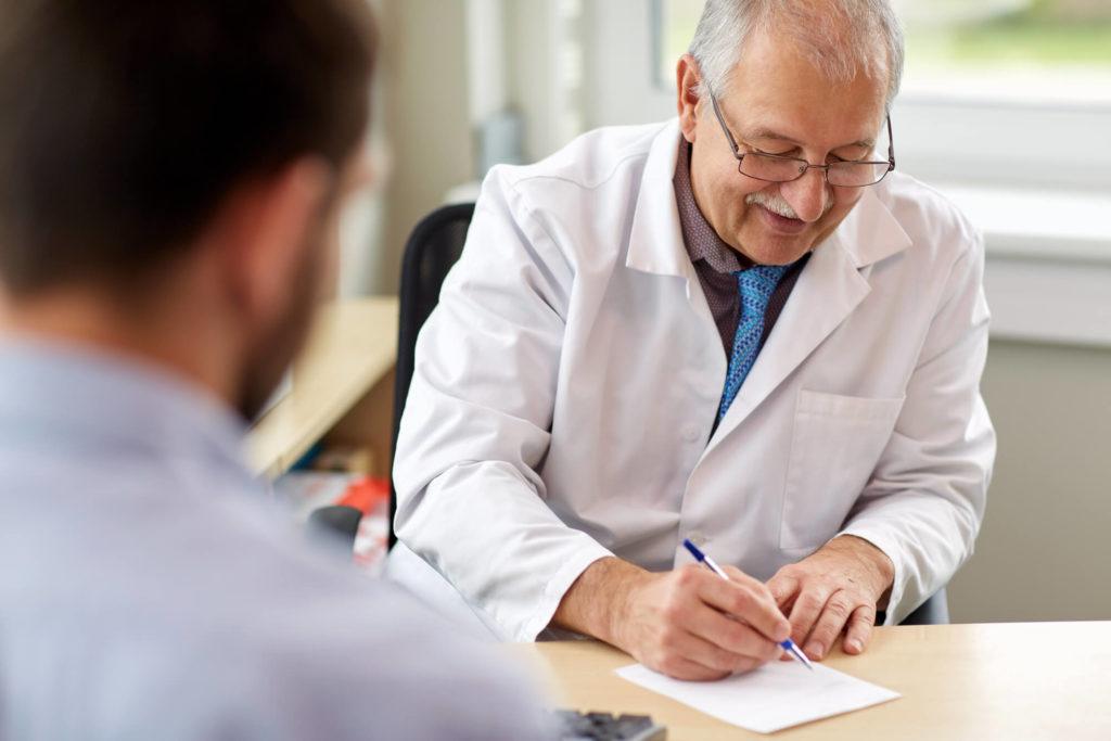 Próstata aumentada? Conheça as causas e qual o tratamento adequado